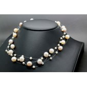 Collier de perles 4 rangs