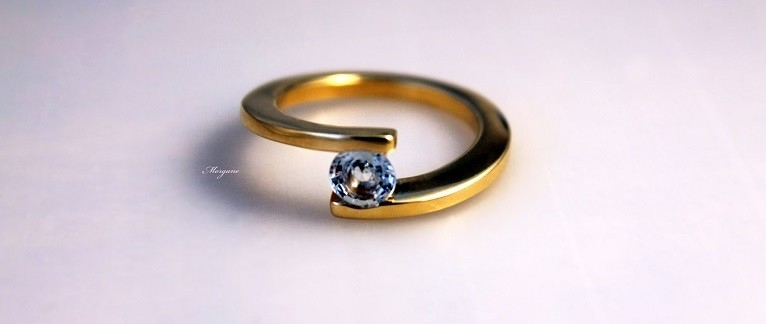 bague or jaune saphir